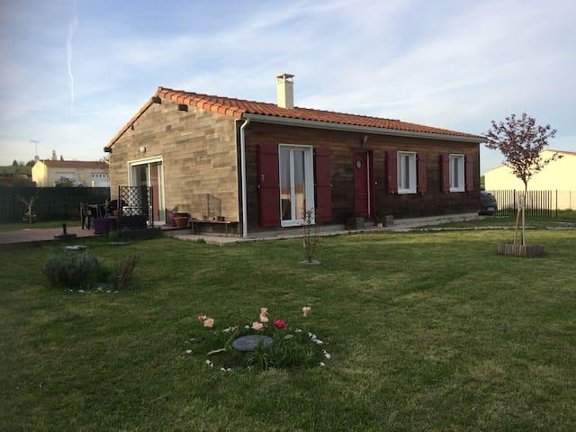 Maison de vacances en bois - La Jard - House