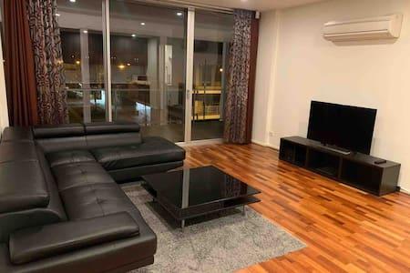 Modern Apartment,Massive Balcony,Ultimate Location