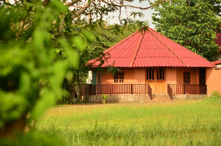 ART HOUSE + 4* Hotel Membership - Krong Preah Sihanouk - Rumah