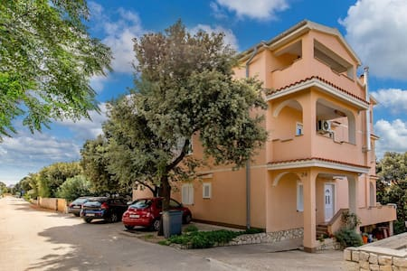 Holiday apartment with 1 bedroom on 42m² in Mandre