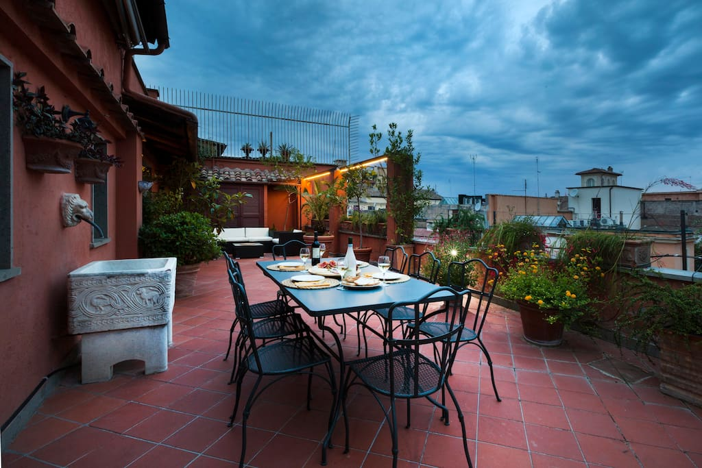 Spanish steps terrace 4br attic apartments for rent in for Arredi arredi
