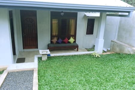 Furnished Holiday bungalow - Kundasale - 公寓
