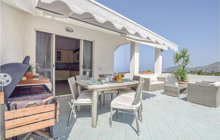 Semi-Detached with 2 bedrooms on 80m² in S.Maria d.Castellabate