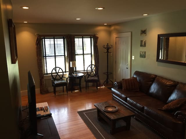 Highlands Euro-style 2 Bedroom - Louisville - Byt