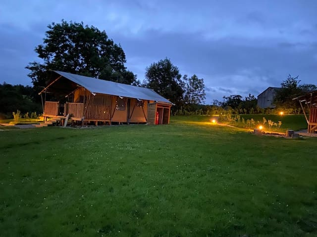 Hedgehog Hideaway Luxury Safari Tent,