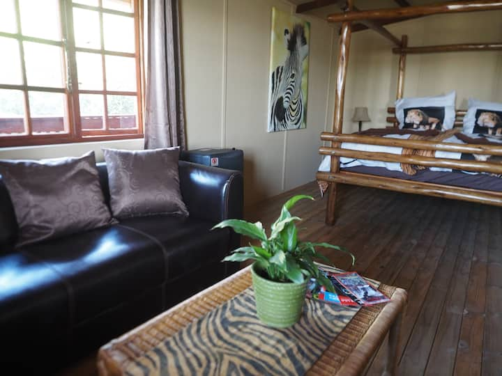 Pure Nature Familodge-Dassie Rock House