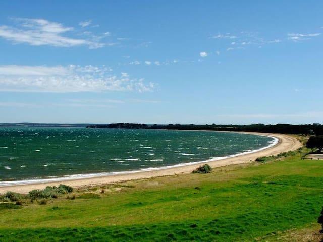 Beach Front Bliss in Coronet Bay - Coronet Bay - House