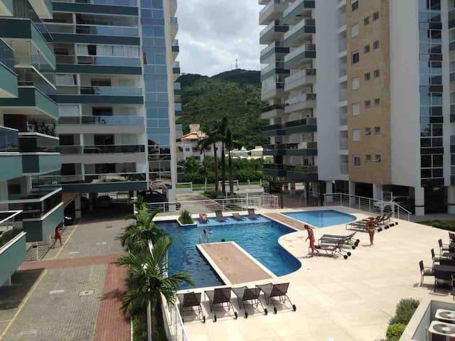 Maravilhoso apto 3 suítes Boulevard  Praia Palmas