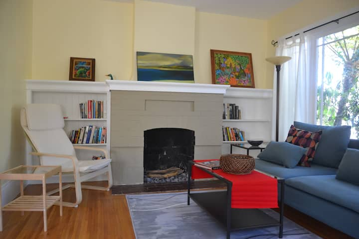 Sunny and Lush! 2BR luxury duplex in Berkeley