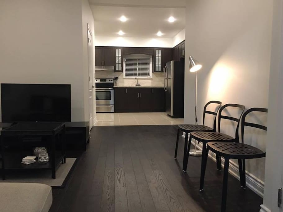Newly-Renovated Apartment on Main Floor