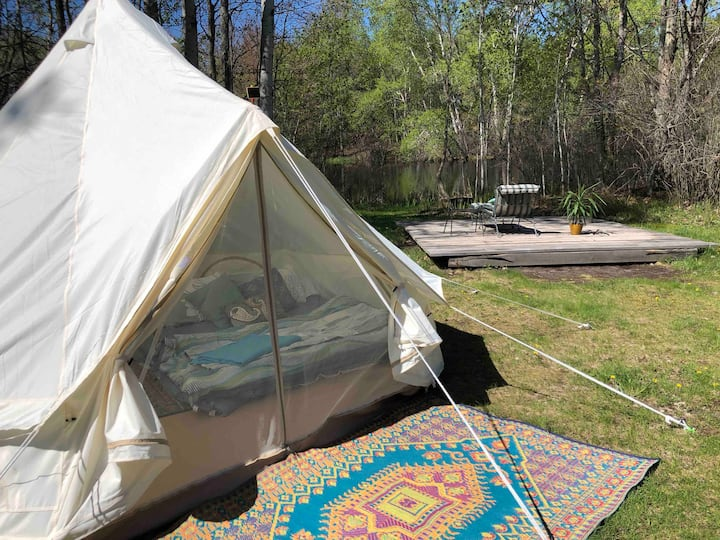 "Sunrise Yurt Tent at Rocky Top ""Preserve"""