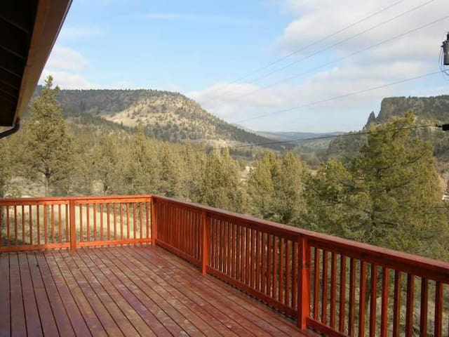 Amazing panoramic view on hill top 4000 sq ft, spa - Prineville - 獨棟