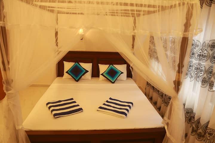 mama palace hiriketiya room number 06