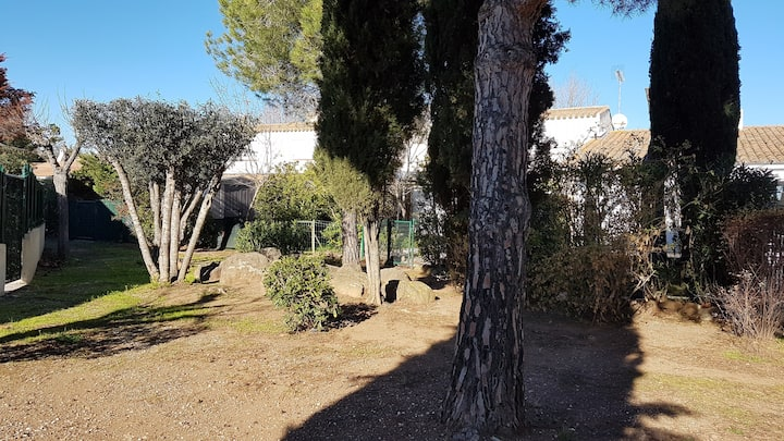 Cap Agde Villa calme, climatisée. Quartier Pinède.