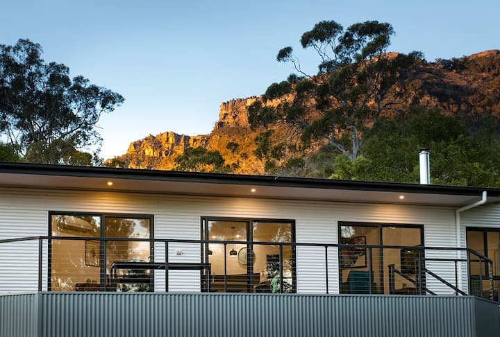 Golton in the Gap - Style, comfort & amazing views