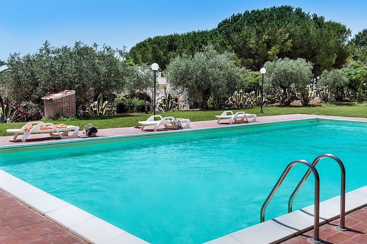 Peaceful villa with private pool, garden, WiFi - Santa Margherita di Belice - Vila