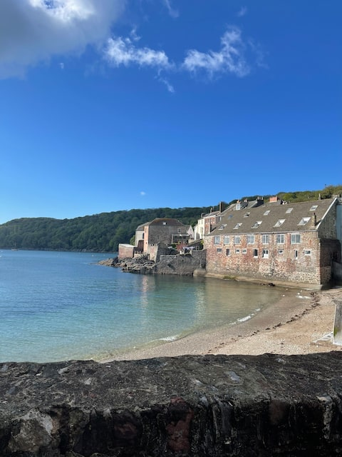Luxury Cornish seafront studio- views, dogfriendly