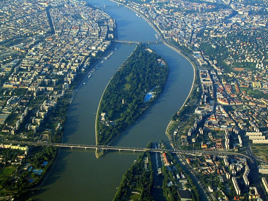 From our flat, you can actually get on tram 4-6 to get to Margaret Island, the lung of Budapest, the joy of the Duna (Danube River in Hungarian). It would take you a day to truly know the island. But, a short hop-on would be just fine.