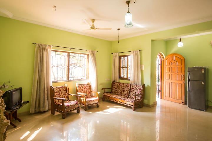 5 Bedroom Sunset holiay villa Near Calangute