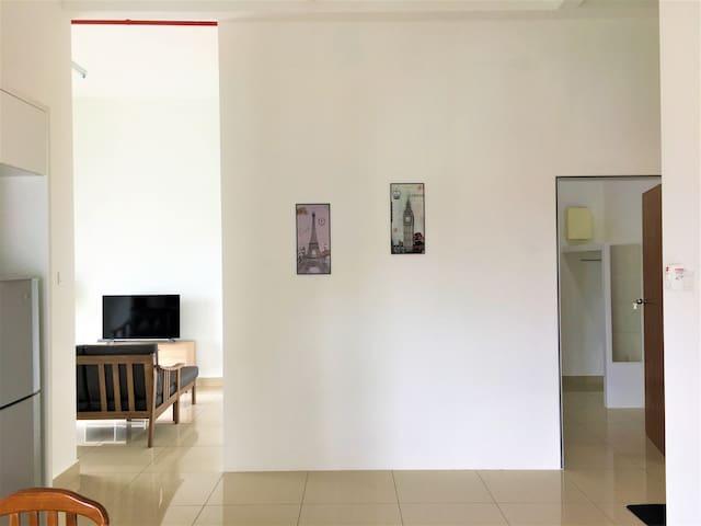 #A14-05 Homestay@Menara Hartamas (1-4pax)