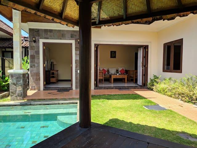 2BR Private Villa w/Pool -Near Swim & Surf Beaches