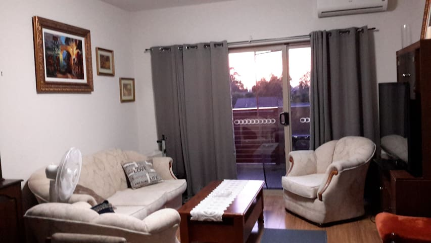 A Third Floor Apartment Close to Amenities - Noble Park - Huoneisto