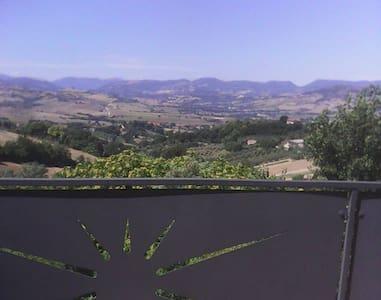 Appartamento con terrazzo panoramico - Pollenza
