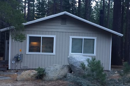 Mountain Home Retreat in SLT -easy Sierra Access - South Lake Tahoe - Casa