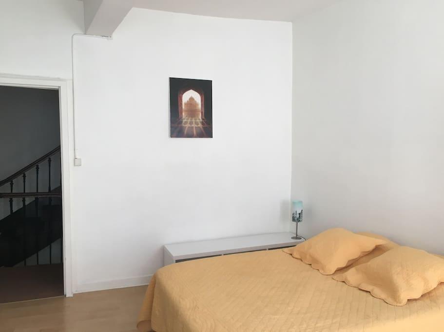 chambre louer en centre ville maisons de ville louer castres midi pyr n es france. Black Bedroom Furniture Sets. Home Design Ideas