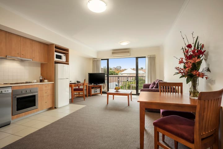 Fully Equipped 1BR Apartment near Box Hill - Mont Albert - Serviced flat