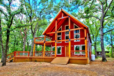 Cabin on 130 Secluded Acres!  Brand New SPA!!!!