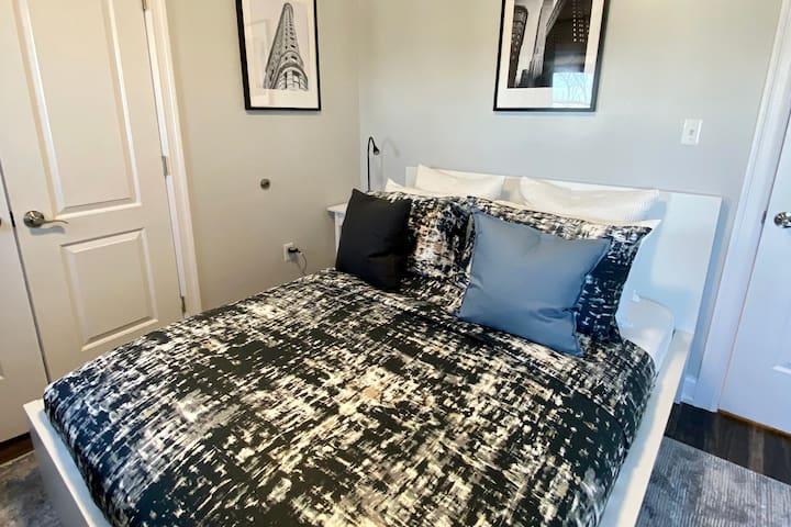 Brand new luxury queen mattress