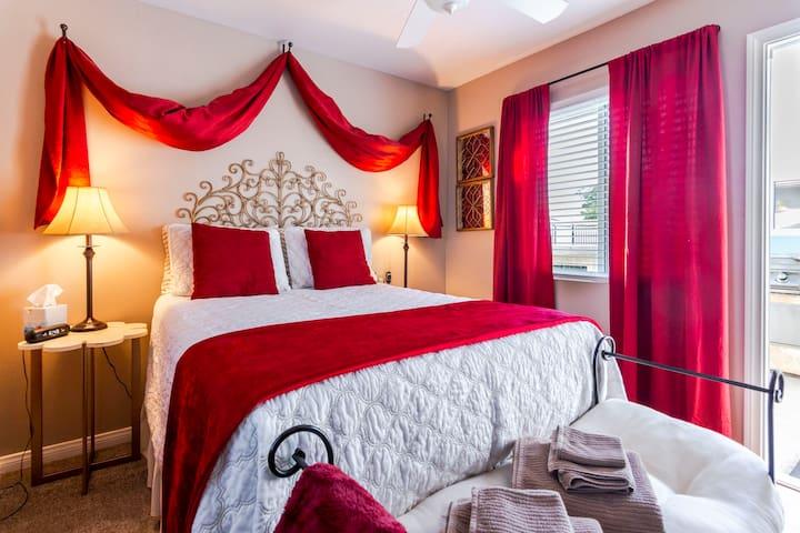 Crimson Room@ Ty's w pool