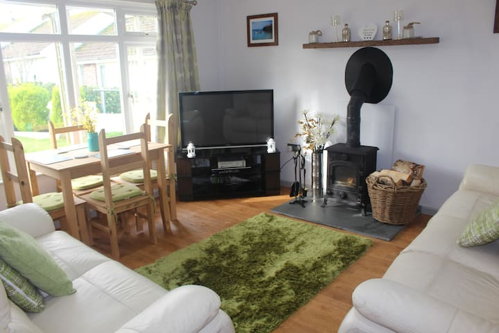 Spacious 2 Bedroom Property in Port Isaac Village - Port Isaac - House