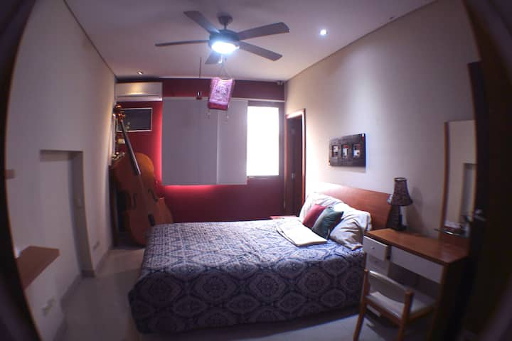 Large Room in a perfect & safe area (Samborondon)