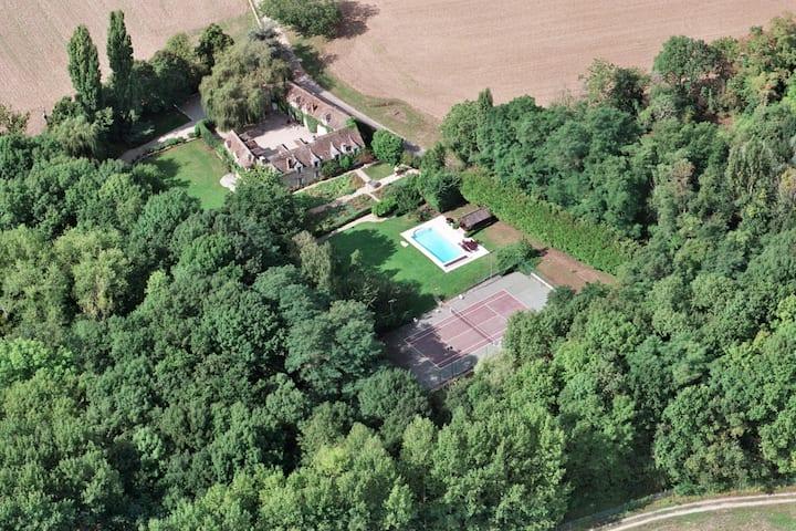 Charming mansion South of Paris
