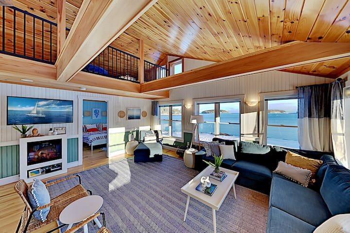 Dazzling Ocean Views | Custom-Built Cottage