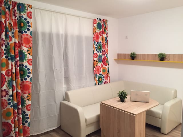 2 rooms Apartament  & Car included in price !!! - Bragadiru - Byt