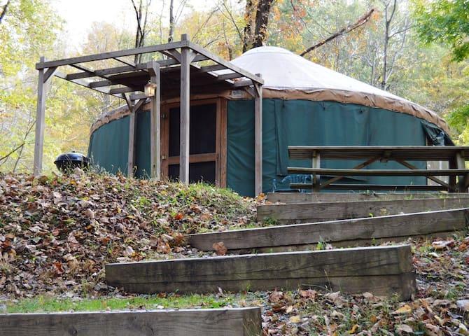 River Retreat Cabins - Yurt