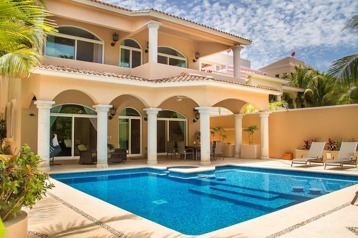 VILLA MARAVILLA ¡LUXURY HOUSE !