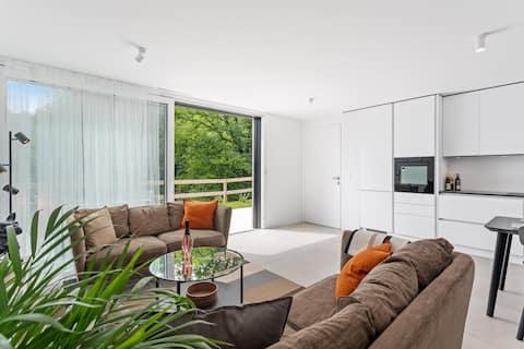 Bonito apartamento independente com terraço