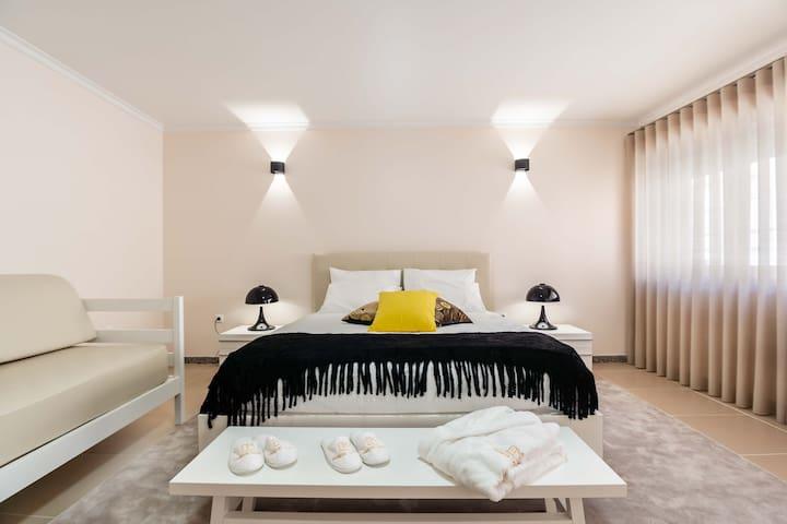 Pinheiro Cardoso House - Room 2