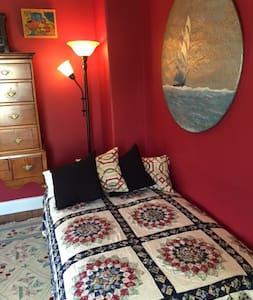 Red Room Retreat with Bay Breezes - Stonington