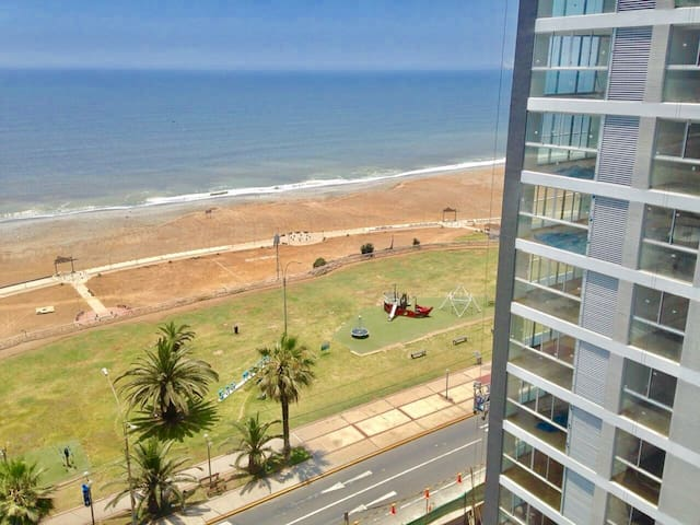 Best Ocean View Beachfront Condo close to airport! - Lima - Lägenhet