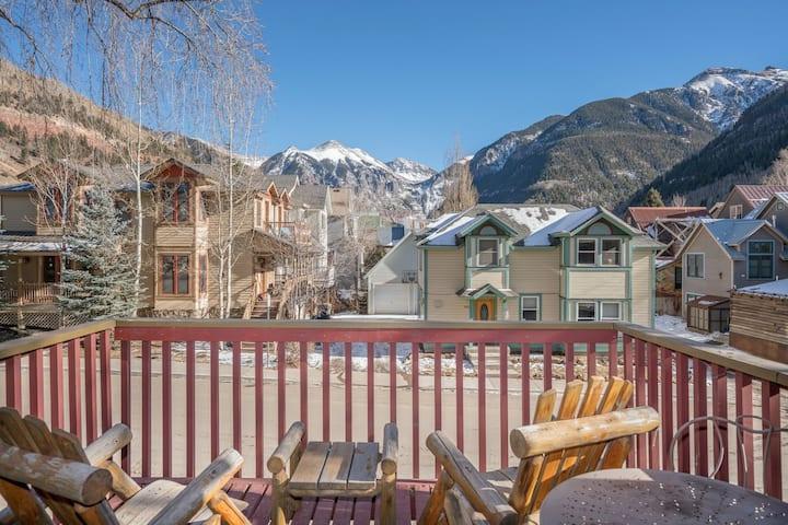 Flex Cancellations! Sauna, Stunning Views, Deck @ Cornet Creek