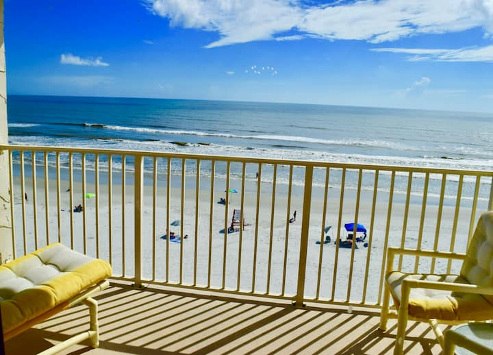 Cottage by the Sea - Beautiful Beach Front Views