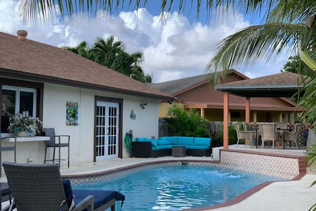 Lovely pool home in Miramar. Pool is now Heated