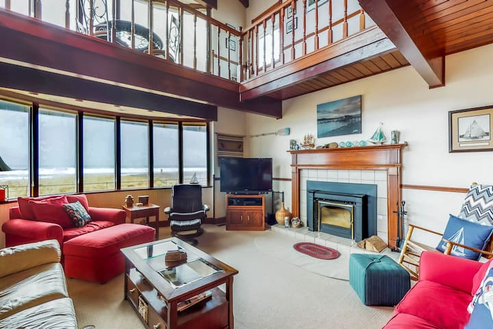 Waterfront home w/ ocean views, hot tub & fireplace - dogs welcome!