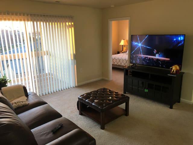 Hampton Deluxe Private Room in the Sky