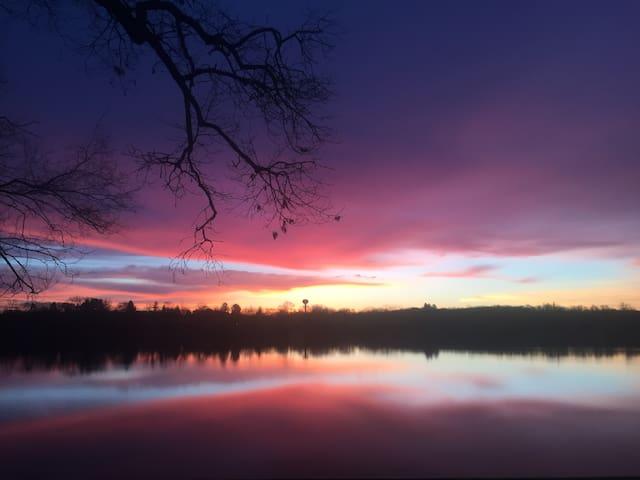 Lakefront Oasis - Near Ann Arbor, Novi, Livonia